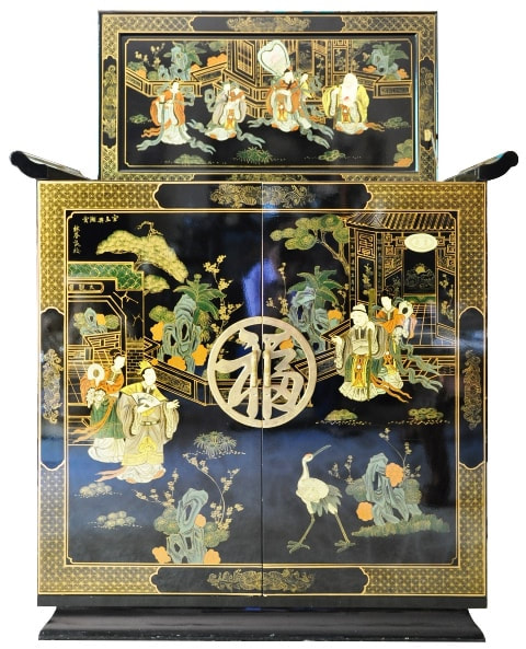 Chinese lacquer bar cabinet with beautiful paintings