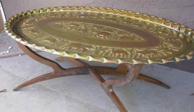 Folding spider leg brass tray coffee table with embossed animals
