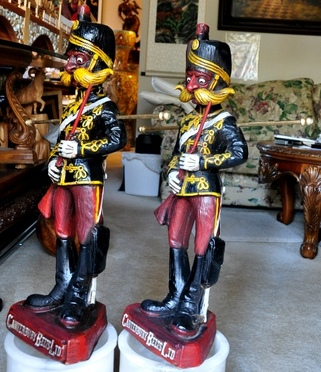 Rare advertising display statues of Canterbury Belts Ltd representing Crimean War soldiers