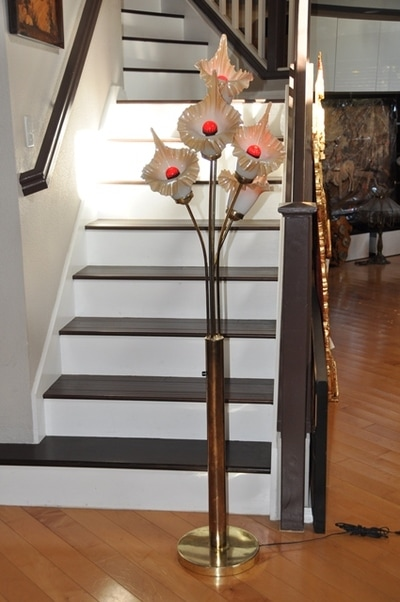 Gold Finish Metal Base Floor Lamp With 5 Flower Shaped Glass Shades