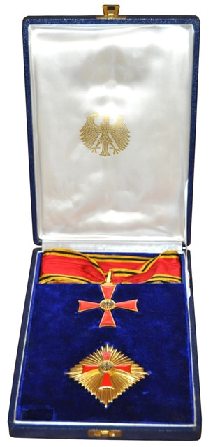 Federal Republic of Germany Order of Merit badge and star from the 1951-1957 era