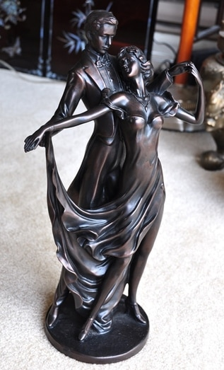 Art Deco style statue of a dancing couple​