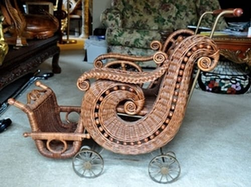 Victorian style wicker doll/baby carriage/buggy
